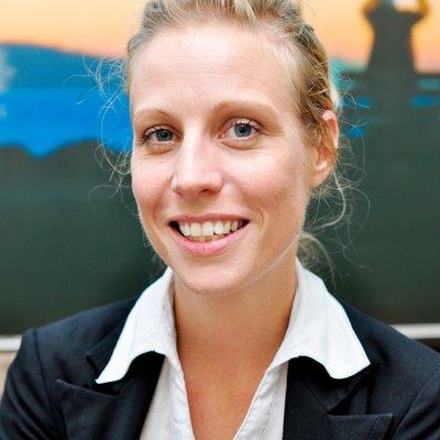 Ms Amanda  Peatey