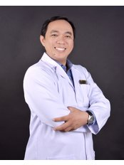 Dr VINH NGUYEN THANH - Surgeon at Worldwide Dental & Cosmetic Surgery Hospital (fka Dr. Hung & Associates Dental Center)