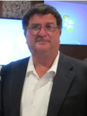 Prof Dennis Tarnow -  at Nha Khoa An Lam