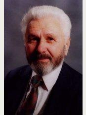Dr. Mikel Nakuçin - Rruga e Kavajës, Tiranë,