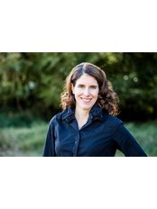 Dr Janna Bentley - Aesthetic Medicine Physician at Lakeshore Vein and Aesthetics Clinic