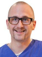 Mr Felix Gussmann -  at Dermatologische Praxis B18