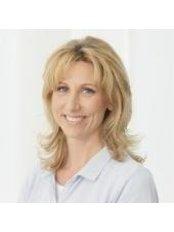 Dr Sabine Czichon -  at Dr. Andrea Zorn Hautarztpraxis
