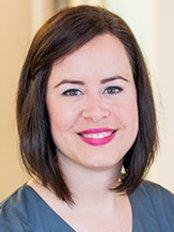 Ms Laura Effertz -  at Dr Julia Holker