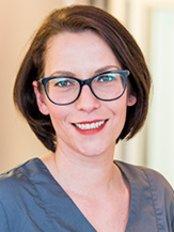Ms Anika Möller -  at Dr Julia Holker