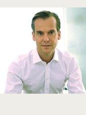 Dr. Timm Goluke Dermatologist - Maximilianstrasse 30, München, 80539,