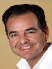 Dr Ralf Merkert - Doctor at Haut TherapieZentrum Stuttgart