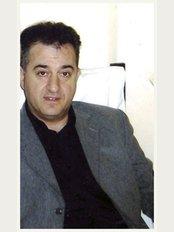 Dr. Fotis Karadakis - Avenue King George I 9, Thessaloniki, 546 40,