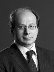 Dr Gabriele F. Muti -  at Skin House