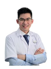 Dr Leong Chee Yong - Practice Director at BeauLife Clinic