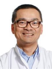 Dr Mike Liem - Doctor at Helder Kliniek