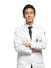 Dr Woojin Choi - Dermatologist at Renewme Skin Clinic Bundang