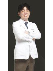 Dr Dukhan Kim - Dermatologist at Renewme Skin Clinic Hongje