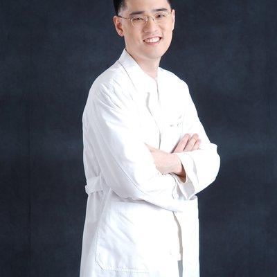 Dr Julius Jon