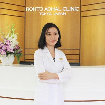 Dr Phuong Uyên