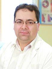 Dr Vadinszky Péter - Surgeon at Dr. Willner Péter  - Proctoline