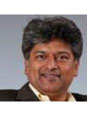 Dr Vijay Chandru - Doctor at AyurVAID Hospital - Ramamurthy Nagar