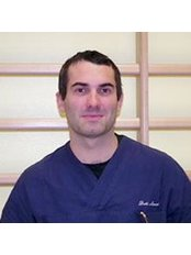 Dr Henry Maselli - Physiotherapist at Meridian Medical Center