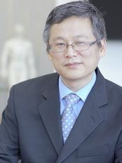 Dr. Huang Hai Lian -  at Ma Kuang Chinesse Medicine and Research Centre