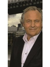 Dr Albert Ferrante - General Practitioner at Blossoms Healthcare City of London