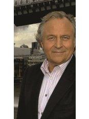 Dr Albert Ferrante - General Practitioner at Blossoms Healthcare London Bridge