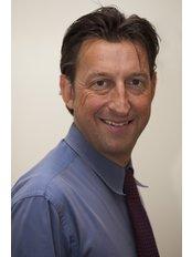Dr Deryk Waller - General Practitioner at Blossoms Healthcare London Bridge