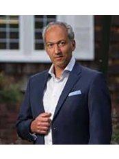 Dr Pedram Bral - Doctor at Manhattan Foot Specialists