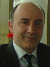 Prof Dr Burhan Dadas - Mevkufatçı sok no 17 /2 Fatih, Istanbul,  0