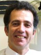 Mr George Stamatelatos - Ophthalmologist at NewVision Clinics - Cheltenham