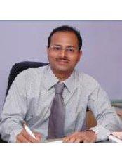 Dr Nitin Deshpande -  at Shree Ramkrishna Netralaya