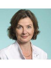 Dr Hester Nouhuijs - Doctor at Eye Clinic De Horsten Wassenaar