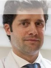 Dr  Mora - Ophthalmologist at Clinica Oftalmologica Aver - Becerra