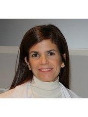 Dr Ananda Castaño Manotas - Ophthalmologist at Clínica Oftalmológica Castilla
