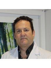 Dr Luis Quecedo Gutierrez - Ophthalmologist at Clínica Oftalmológica Castilla