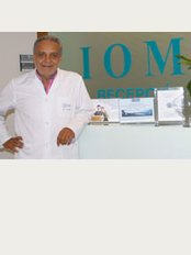 Institut Oftàlmic de Mallorca - Dr. Nagi Emile Najm, a specialist in blepharoplasty and aesthetic periocular