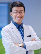 Dr Tran Dinh Minh Huy -  at Hai Yen Eye Center