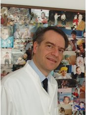 Dr Nikos Kanakas -  at Embryoland Center for Assisted Reproduction and Fertility