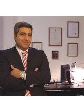 Mr Nikolaos Lasanianos - Doctor at Vitabroad