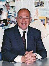 Crete Fertility Center - Dr Mattheos Fraidakis