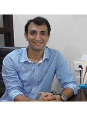Dr Pranav B. Asher - Oral Surgeon at Akanksha Infertility Clinic