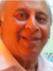 Dr Naresh Sekhar - Doctor at Kiran Infertility Center- Gurgaon