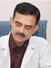 Dr Girish Godbole -  at IVF Pune