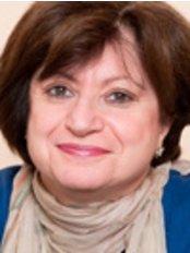 Dr Elizabeth Chelo - Doctor at Medical Center Cerva