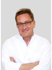 Dr Krzysztof Grettka - Doctor at Gyncentrum - Fertility Clinic