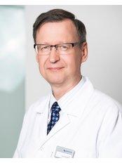 Dr Janusz Palaszewski - Doctor at Invicta Fertility Clinic - Warsaw