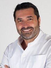 Dr Raul Olivares - Doctor at Barcelona IVF