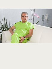 Bahçeci Umut Tüp Bebek Merkezi - Prof.Dr.Mustafa Bahçeci