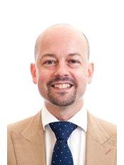 Mr Ian Chilcott - Consultant at Queens Clinic