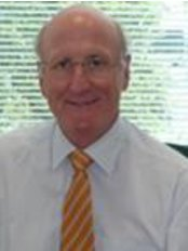 I'm Mr. Gary Crosthwaite, Consultant Specialist Surgeon advanced laparoscopic, Upper gastrointestinal, general, obesity and hernia surgery.  He also performs gastroscopy and colonoscopy. -  at Mr. Gary Crosthwaite - Melbourne 2
