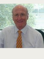 Mr. Gary Crosthwaite - Richmond - I'm Mr. Gary Crosthwaite, Consultant Specialist Surgeon advanced laparoscopic, Upper gastrointestinal, general, obesity and hernia surgery.  He also performs gastroscopy and colonoscopy.